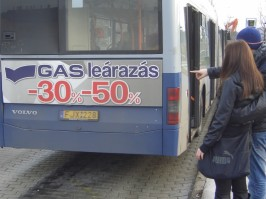 GAS leárazás, buszhátfal reklám